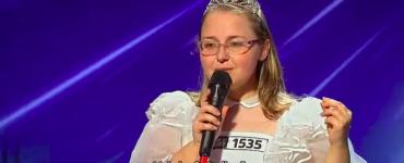 """Cine este Claudia Vesa şi ce poveste incredibilă are """"prinţesa"""" de la Românii au talent"""