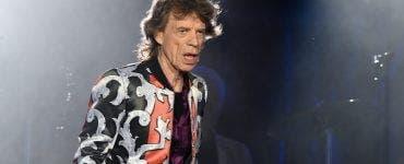 Mick Jagger, solistul trupei The Rolling Stones, în vârstă de 75 de ani, ar putea fi supus unei intervenții pe cord, pentru implantarea unui stent.
