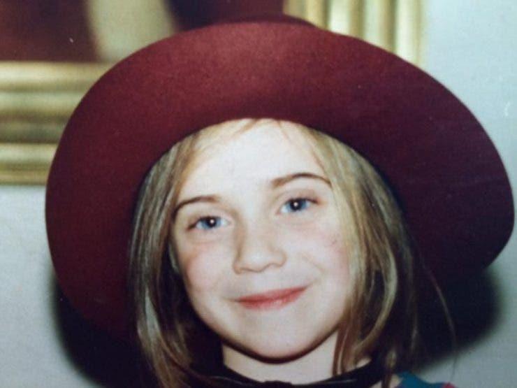 Povestea fiicei lui Dem Radulescu. Avea doar 13 ani cand a murit tatal ei. Acum este foarte respectata, dar si foarte frumoasa! Imagini recente cu ea