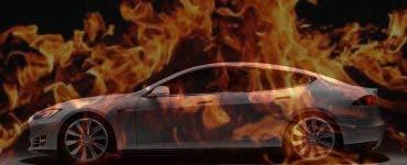 Încă o mașină Tesla a luat foc în timpul încărcării