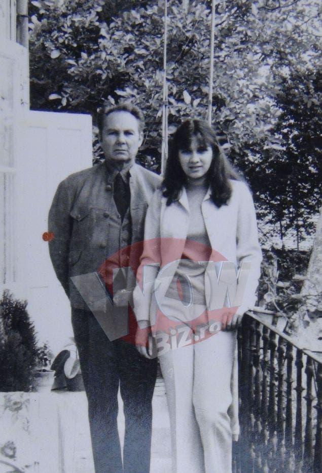 Imagini de colecție cu prima-doamnă a României! Cum arăta Carmen Iohannis în anii `90?