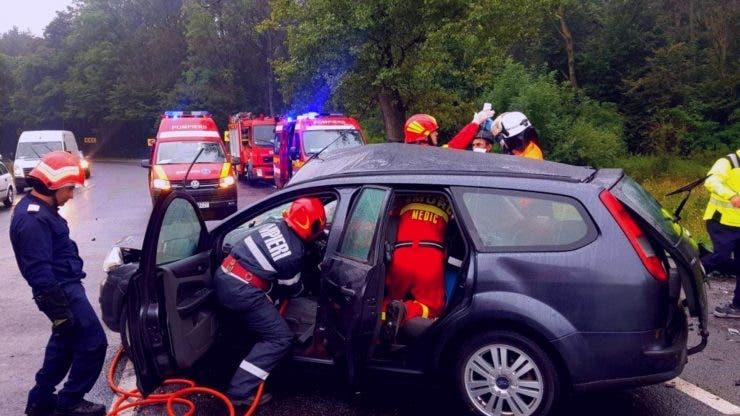 Accident grav pe DN1 în Brașov. O persoană a decedat