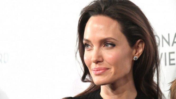 Angelina Jolie a rămas doar o umbră a divei sexy de altă dată