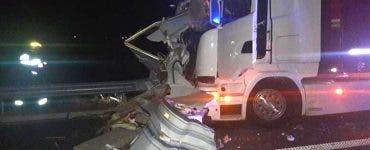 Accident grav în Hunedoara. Doi oameni au murit după ce au fost loviți de un TIR