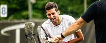 Djokovic ajunge pe mâna medicilor