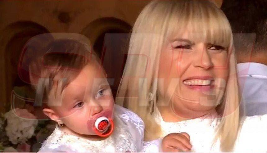 În ce HAL a apărut Elena Udrea în biserică! Azi și-a botezat micuța și toată presa a fost cu ochii pe ea