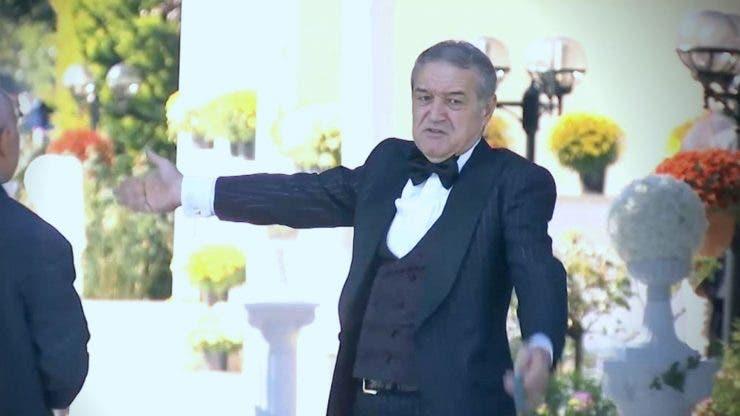 Gigi Becali a făcut spectacol la nunta fiicei sale. Milionarul a umilit o femeie în fața tuturor invitaților