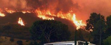 Incendiile din California au ajuns în cartierele de lux, iar mai multe vedete au fost evacuate