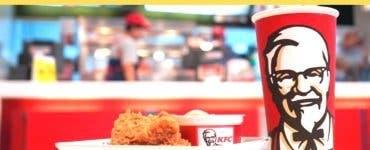 Alertă alimentară la KFC. Bacterii găsite în gheața pentru sucurile răcoritoare