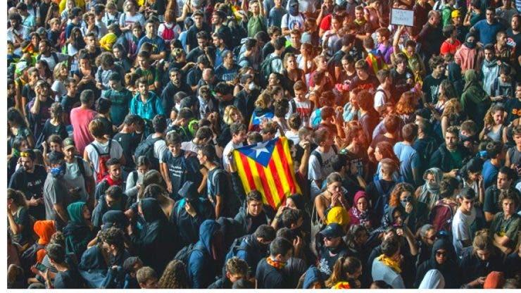 Avertizare MAE. Traficul aerian, feroviar și rutier va fi afectat în Barcelona