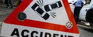 Accident grav în Dâmbovița. Un microbuz și o mașină s-au ciocnit