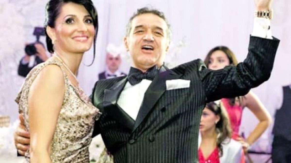 Ținuta ca de Oscar! Nevasta lui Gigi Becali i-a lăsat pe toți cu gura căscată la nunta fiicei sale