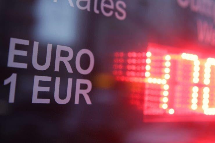 Curs valutar BNR 28 octombrie 2019. Câți lei costă astăzi moneda europeană