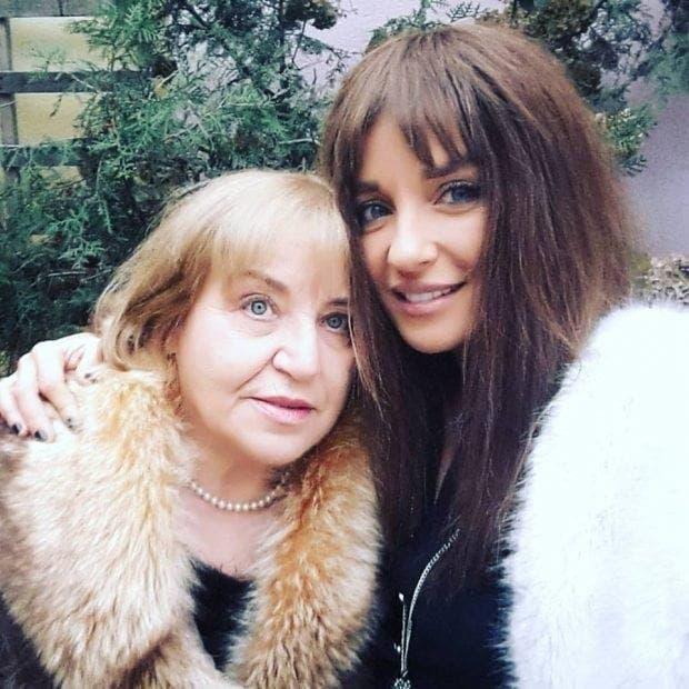 Cum arată mama Taniei Budi la 75 de ani. Se vede pe cine moștenește