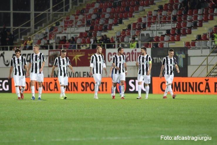 Alibec și Budescu se pare că sunt destul de afectați după ce au făcut parte din lotul convocat de Cosmin Contra pentru ultimele meciuri din preliminariile EURO 2020. Budescu nu a jucat niciun minut, în timp ce Alibec a intrat cu Suedia, 17 minute.