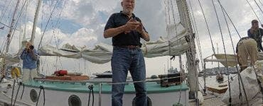Sir Robin Knox-Johnston a inconjurat lumea sungur