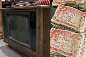 A ajuns la știri după ce a desfăcut un televizor vechi de 30 de ani. Uite ce a găsit în el