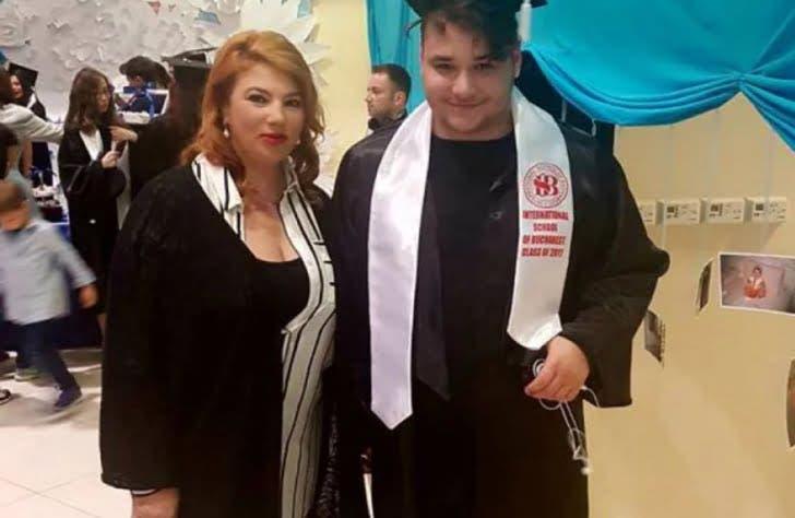Cum arată Patrik Borcea după ce a slăbit 40 de kilograme. Fiul cel mare al lui Cristi Borcea și al Mihaelei s-a băgat în afacerile familiei și cucerește fetele cu noua sa înfățișare.