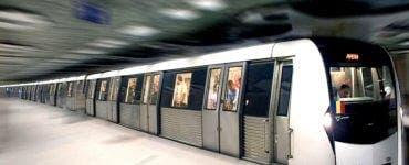 Alertă la metrou în București. Fum dens în vagoanele unui tren. Călătorii au apăsat butonul de panică