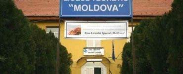 Caz șocant în Iași. O fetiță nevăzătoare, a murit după ce a căzut pe scările școlii