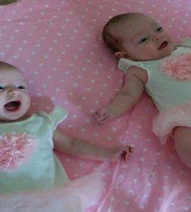 Caz șocant! S-au născut din aceeași mamă în aceeași zi, dar nu sunt gemene. Cum e posibil