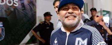 Diego Maradona, spectacol pe bancă