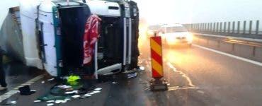 Accident pe Autostrada Soarelui. Un TIR s-a răsturnat pe partea carosabilă