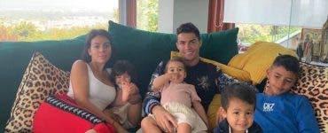 Vecinii lui Cristiano Ronaldo dau din casa
