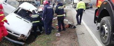 Accident mortal în Cluj. Un persoană a murit după ce o mașină și un camion s-au ciocnit