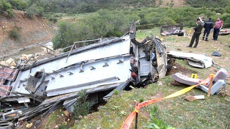 Accident îngrozitor în Tunisia. 24 de persoane au murit după ce un autocar cu turiști a căzut într-o râpă