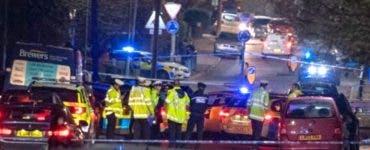 O mașină a intrat, într-un grup de pietoni, la Londra. Majoritatea sunt elevi