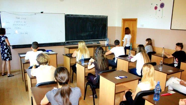 Incredibil! Localitatea din țară unde elevii primesc burse de 8 lei. Solicitarea făcută Guvernului
