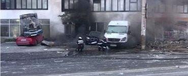 Explozie puternică în Galați. Patru mașini au fost avariate