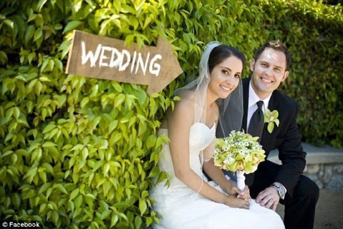 După nuntă, soția a murit de cancer. 2 ani mai târziu, un polițist îi bate în ușă și-i dă un bilet. Bărbatul, îngenunchiat de durere când a văzut ce era scris