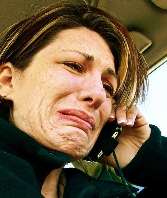 A văzut că o sună soțul, însă când a răspuns bărbatul nu zicea nimic. Când și-a dat seama ce se întâmplă, a început să plângă