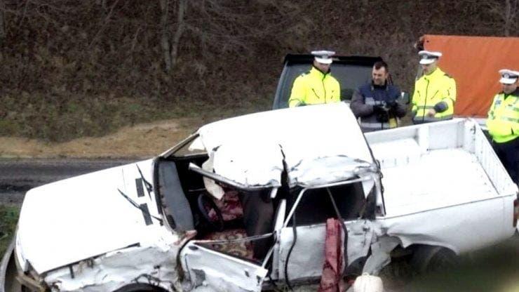 Accident tragic pe o șosea din Dolj. Două persoane au murit și alte șapte persoane au fost rănite