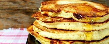 Pancakes rețetă. Cum faci clătite pufoase