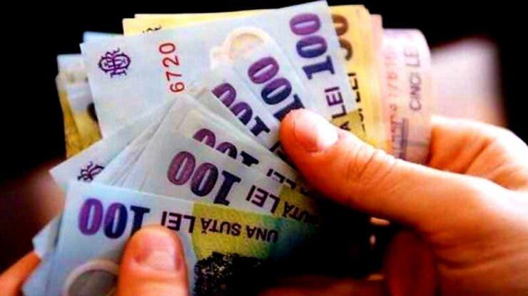 """Aproximativ un milion de pensionari nu și-au primit banii: """"Mai am trei lei în portofel"""""""