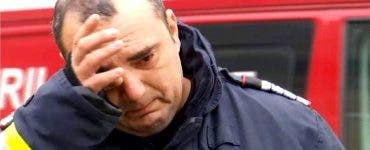Pompierii care i-au găsit pe cei patru frăţiori arşi în casă,plâng de mila micuților