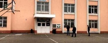 Caz șocant în Constanța. Un elev de 12 ani s-a aruncat de la etajul al doilea al unui liceu