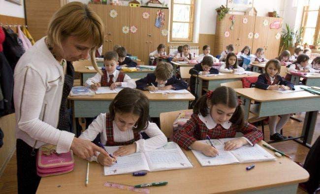 Cadrele didactice din România pot primi până la 3 salarii în plus