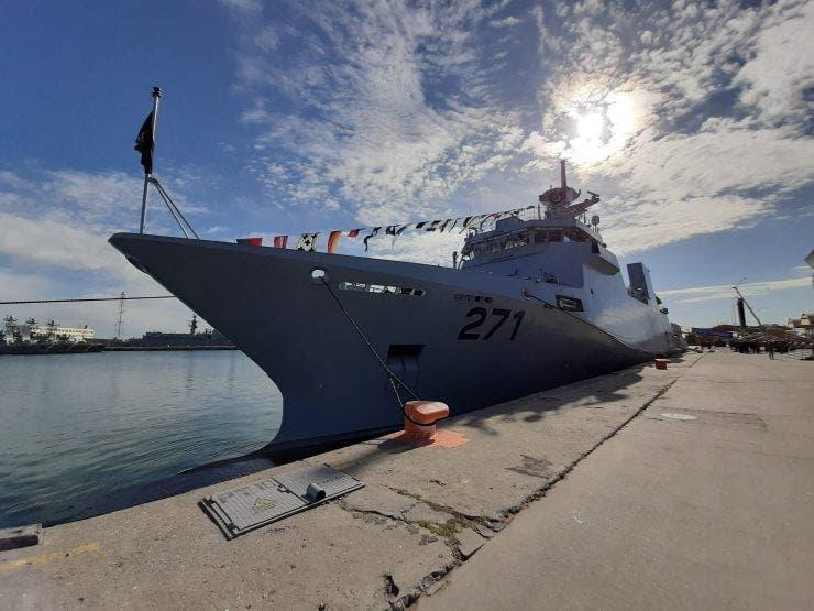Prima navă de război