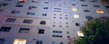 O fată de 16 ani s-a aruncat de la etajul 4 după ce s-a certat cu părinții