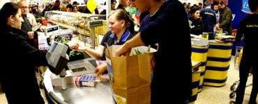 Cât câștigă un angajat la LIDL .Ce beneficii le oferă lanțul de magazine angajaților săi