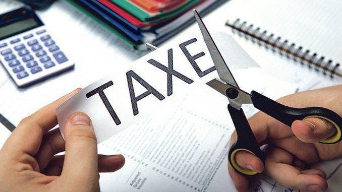 Mii de români vor beneficia de scutirea taxelor
