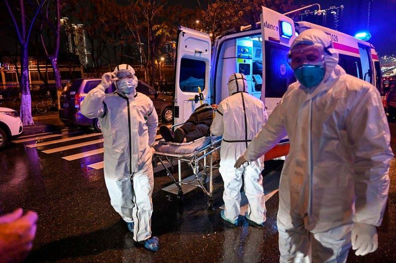 """Medic din Wuhan face anunțul: """"Există şi cazuri de tineri care au murit repede, în doar câteva zile"""""""