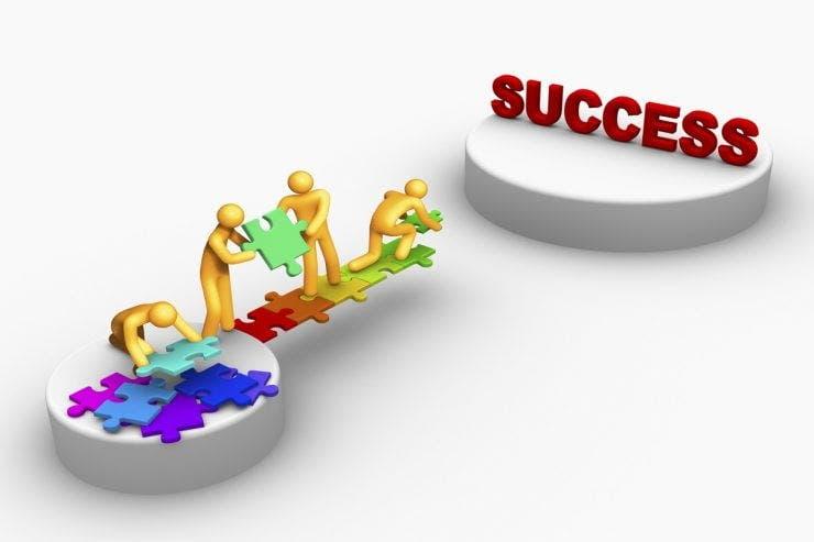 Cum îți poți construi o carieră de succes. Pașii pe care trebuie să îi parcurgi