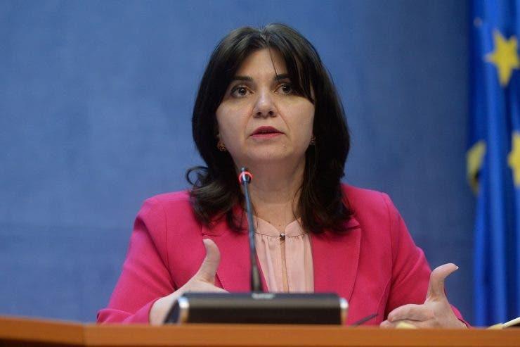 Monica Anisie, ministrul Educației. Ce studii și ce avere are