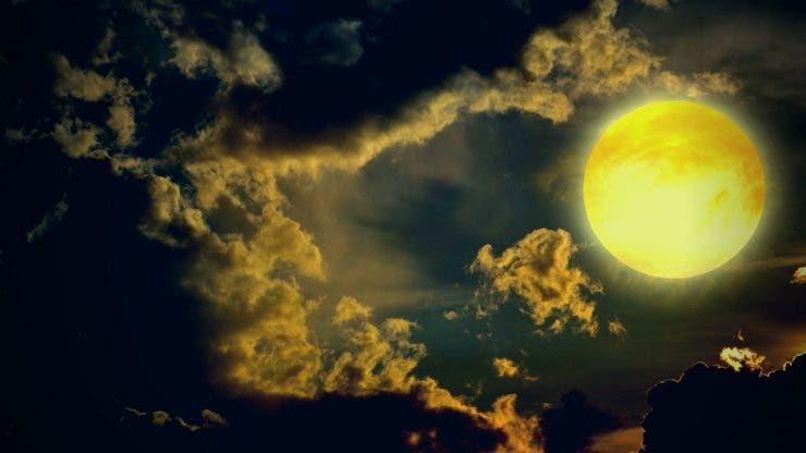 Luna a disparut de pe cer
