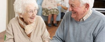 azilele de bătrâni